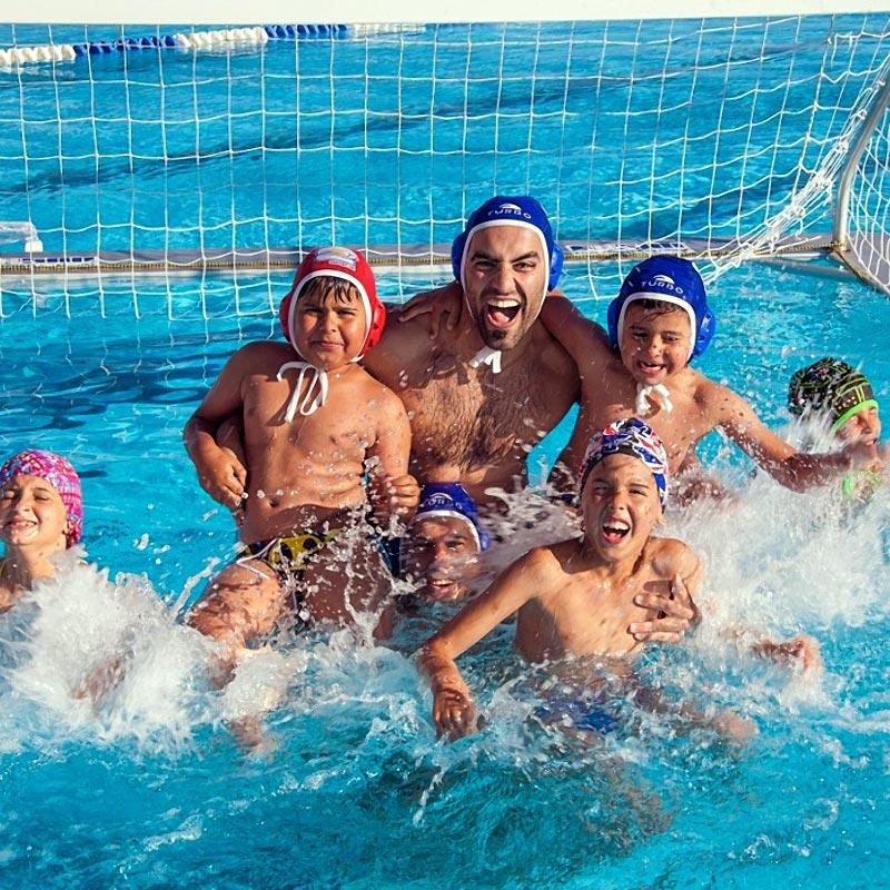 Equipo de Waterpolo apoya a Hogar Abierto