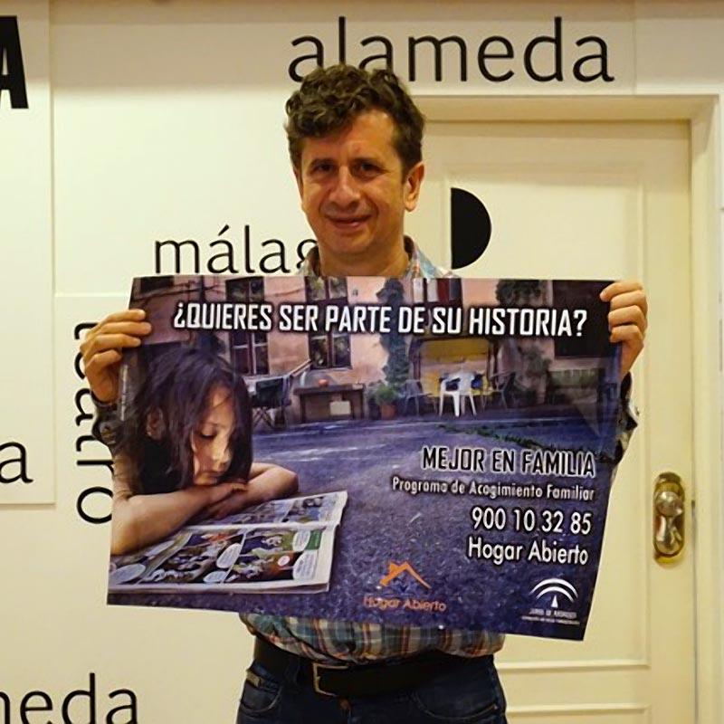 Gabino Diego apoya a Hogar Abierto
